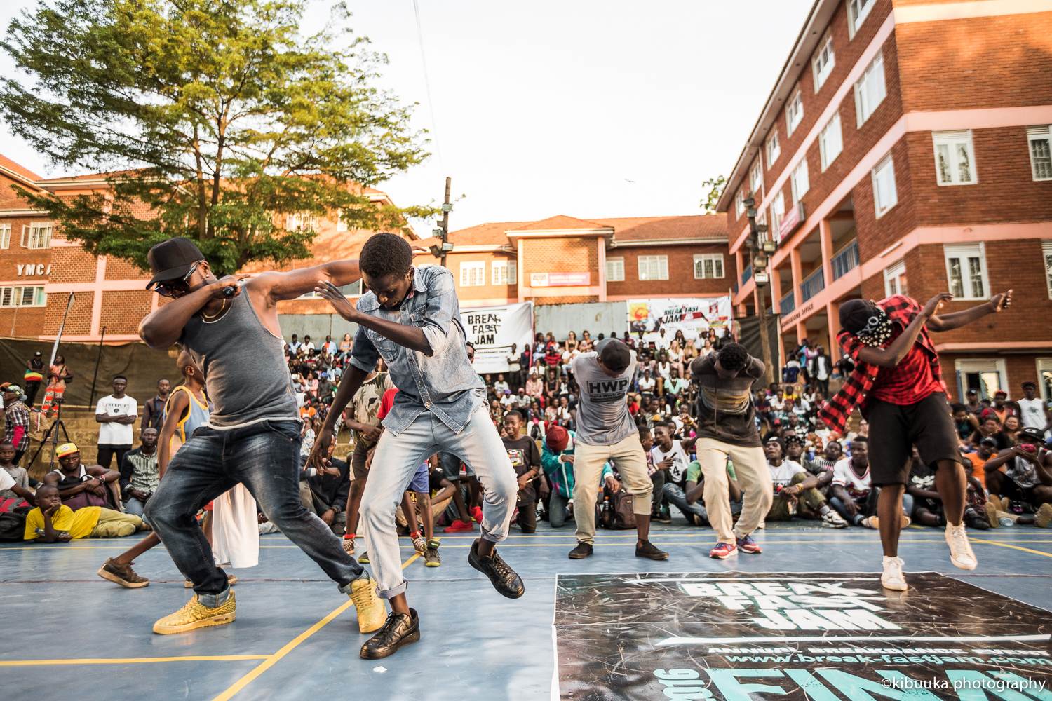 Big-Ben-UGHIPHOP-Award-winner-performing-at-breakfastjam-2016-finals-photo